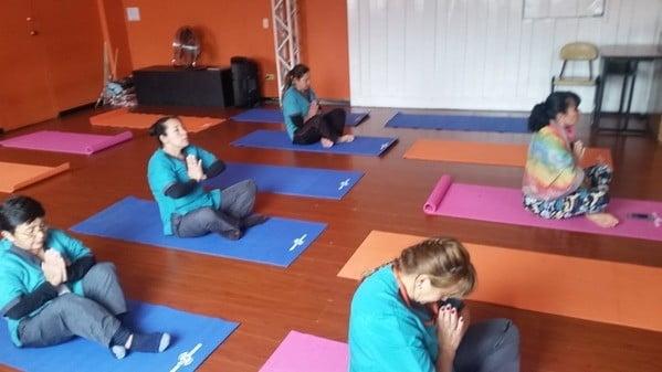 Sesiones de yoga para funcionarios