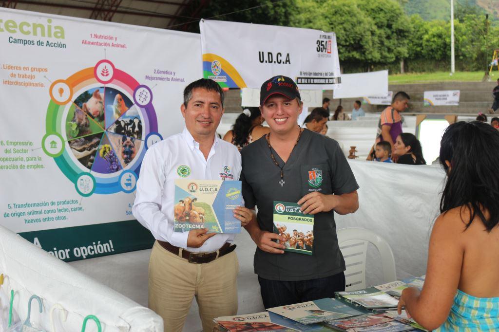El Programa de Zootecnia de la U.D.C.A participó en la III Feria Agroindustrial y del Café del Municipio de El Pital – Huila.