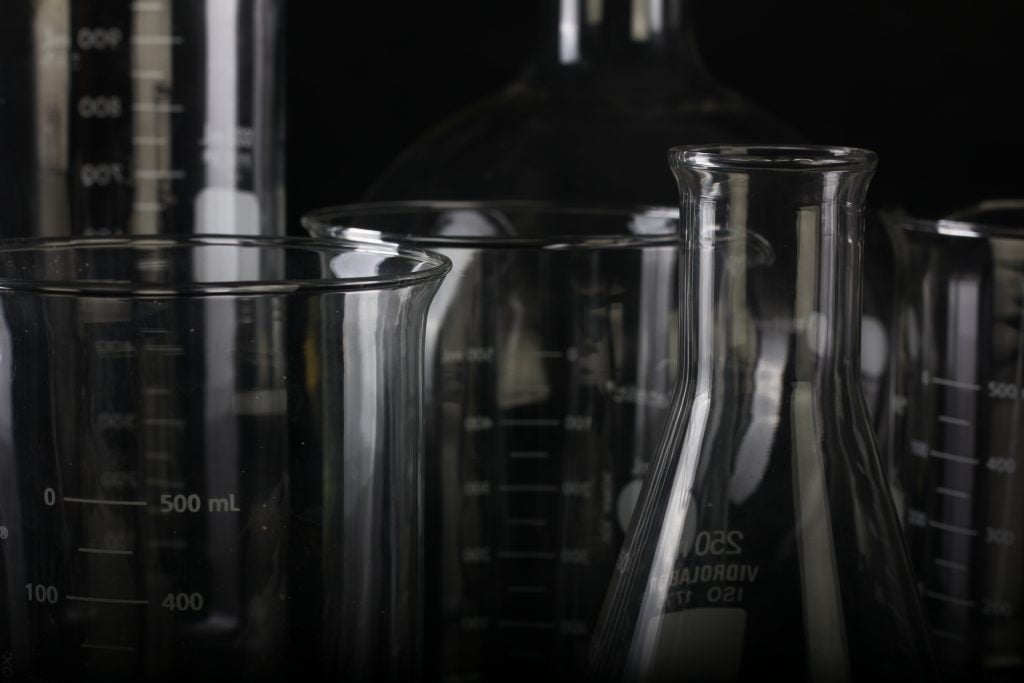 beaker-biology-chemical-1366942